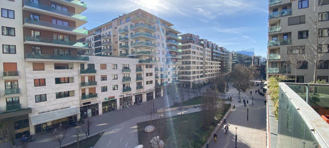 b403_balcony