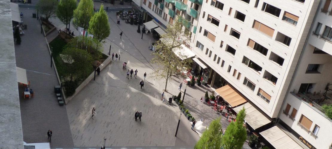 b803_balcony1