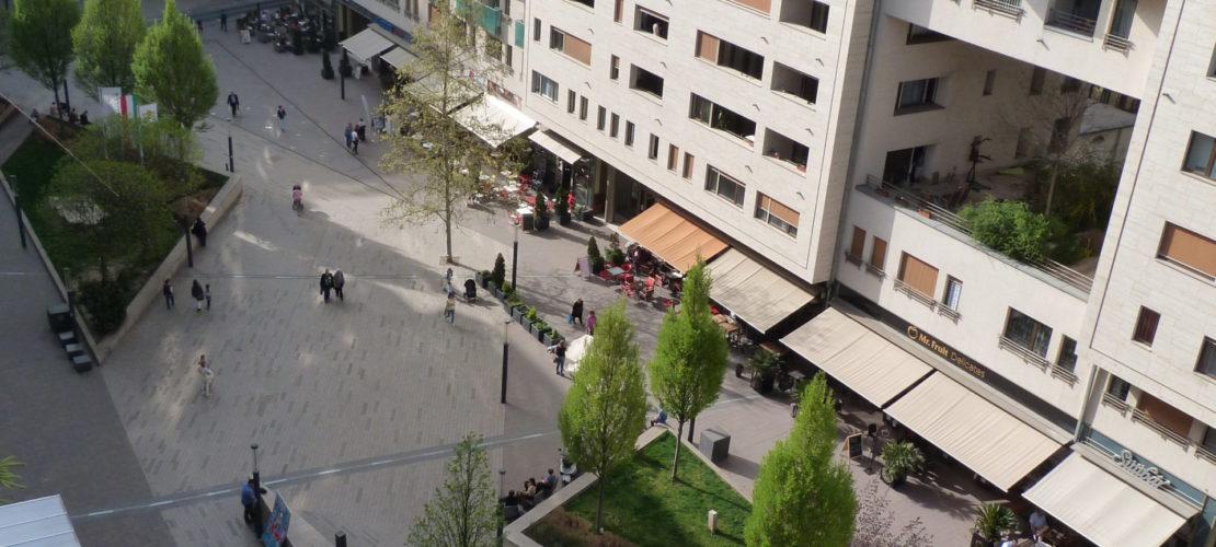 b803_balcony2
